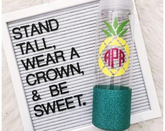Pineapple Monogram Water Bottle // Pineapple // Monogram // Water Bottle // Kids Bottle // Personalized Gift // Mom Life // Glitter Cup