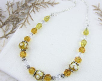 Bright Yellow Necklace, Colorful Necklace, Yellow Flower Necklace, Sunflower Necklace, Beaded Necklaces, Mothers Day Gift