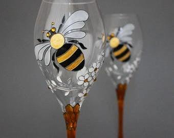 Honeymoon gift glasses, Honeymoon wine glasses, Bee wine glasses, Wedding glasses, Hand painted glasses, Bees and Honeycomb