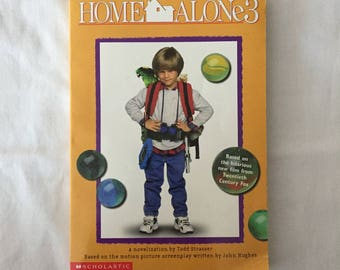 HOME ALONE 3 (Paperback Junior Novelization by Todd Strasser)