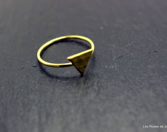 ring ring, mini hammered triangle gold size 53