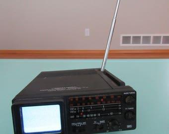 Vintage Realistic Portavision Micro-TV AM/FM Radio Works Free Shipping