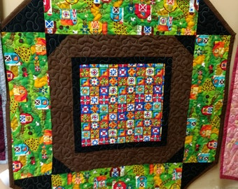 Farm Barnyard Quilt table topper. wallhanging. barn quilts cotton colorful quilters barnquilt.
