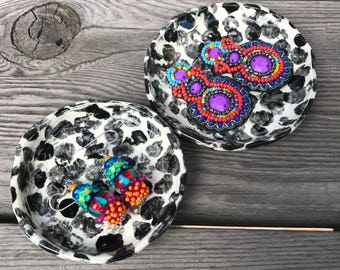 Set of Two Ceramic Dishes for Rings, Jewelry, Palo Santo, Oil, Condiments, Earrings, Tea Bag, Coins. Cute Tiny Patterned Little Pottery Dish