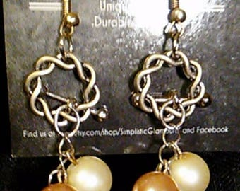 Beige Pearl Earrings