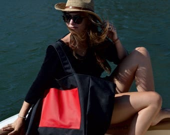 Large Tote. Grand Sac de Plage. Black Cordura and Red Vinyl.