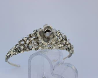 Vintage tiara, antique silver tiara, silver tiara, traditional tiara, wedding tiara, bridal tiara, vintage hair accessory