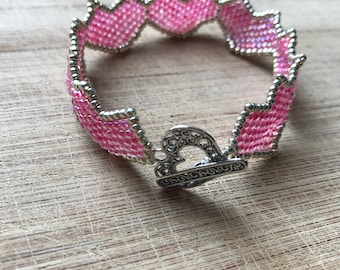 Pink lips bracelet with Japanese glass beads
