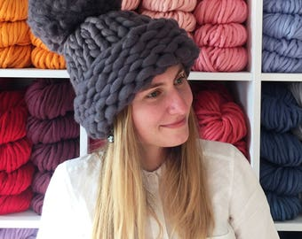 XXL Pom Pom Hat, Super Chunky Hat, Knitted Hat,  Merino Wool Knitted Hat, Super Thick Hat,t, 40+ colors