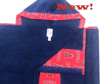 Angles Hooded Towel Red Navy