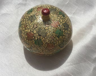 Beautiful Vintage 1970s Indian Kashmir Papier Mache Circular Trinket Box with Hand Painted Design Made for Oxfam Rare Item
