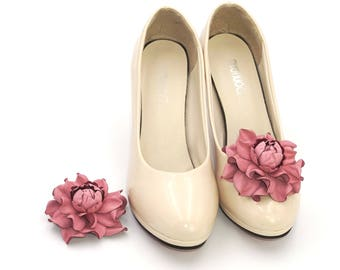 Genuine LEATHER SHOE CLIPS flowers, pink rose floral shoe decoration, pumps flowers, shoe clip ons, shoe jewelry, flower shoe decorations