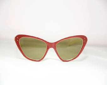 Cateye 1950s Sunglasses  Fantastic Style!! So rare!! Red and White Polka Dots!