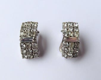 Clear Rhinestone Oblong Clip On Earrings, Sparkly Clip Ons, Cluster Rhinestone Earrings, Costume Jewelry, Bridal Jewelry, Rectangle Clip Ons