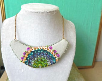 Necklace Plastron Nicte / Flor green & pink
