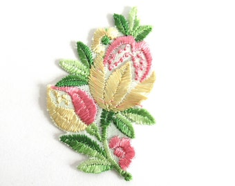 Flower Patch, Flower applique, 1930s vintage embroidered applique. Vintage floral patch, sewing supply. #6A8G43KB