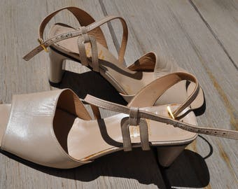 Vintage pearly beige leather sandals PIERRE CHUPIN Size 38 FR