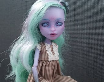 Twyla Monster High repaint doll Yasya