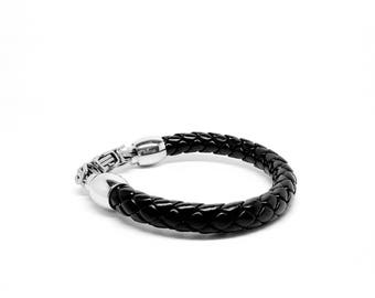 Men Jewellery Leather and Stainless Steel Black Bracelet with Magnetic closure - Italian design. Gift box included. Gifts for men - 9 inches