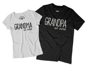 PREGNANCY REVEAL Grandpa est 2018 Grandma est 2018 shirt set Pregnancy reveal shirts Gender announcement gift Baby announcement shirts F1