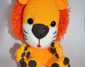 Lion amigurumi crochet stuffed toy