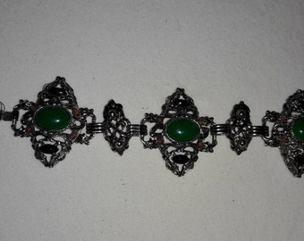 Green Cabochon With Black and Coral Accents Vintage Silver Plated Bracelet