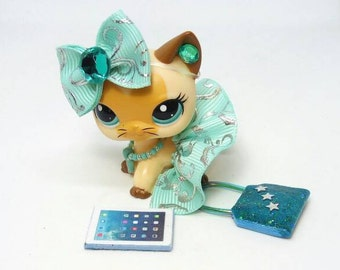 Littlest Pet Shop LPS custom  outfit clothes  accessories lot includes  lps skirt necklace bag * Cat not included *