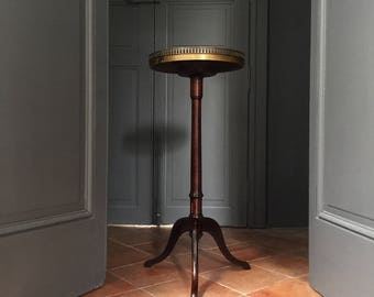 Antique French Side Table, A Stunning and Elegant Coffee Table with a White Marble Top, 19th Century