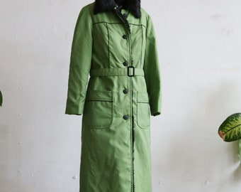 Vintage 1970s faux fur coat - lime green and black coat - 70s fashion - 70s outerwear - lime green winter coat - faux fur collar and lining
