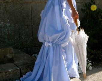Dress to turn light blue and dark blue stripes - style 19th century
