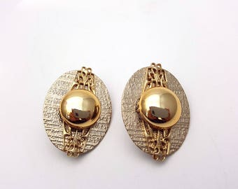 Vintage Clip on 80s Earrings Gold Tone Metal Oval Stud Filigree New Wave Industrial Modernist Modern Retro Fashion Runway Feminine