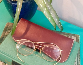Vintage Gold Wire Rimmed Eyeglasses with Leather Case, Vintage Display Eyeglasses, Vintage Office Decor, Vintage Round Wire Rimmed Glasses