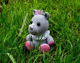 Crochet Pattern of the Little Rhino from Safari series (Amigurumi tutorial PDF file)
