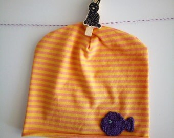 Yellow striped cotton cap with fish