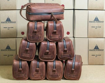Groomsmen personalized gift, wedding gift, groomsmen, groomsman, groom, toiletry bag, leather  bag, leather bag, personalized gift #001