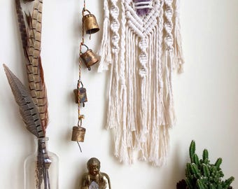Macrame Wall Hanging / Macrame With Crystal / Modern Macrame  / Valentine's gift  / Boho Wall Hanging / Nursery Decor