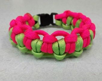 Half hitch Paracord bracelet, cobra knot bracelet, bracelet, double tatted paracord bracelet.