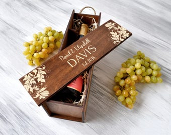 Anniversary Gift for Couple, Gift for Her, Personalized Wine Box, Wedding Gift, Rustic Wedding Wine Box, Valentines Gift, Wine Lover Gift