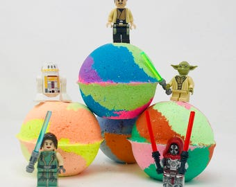 New! 5 Star Wars Lego Set D Inspired 7.0 oz Birthday / Valentines Day Bath Bomb Sets with Surprise Toy Inside.