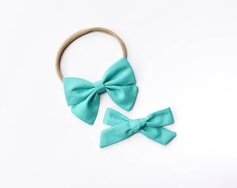 Bermuda | Baby headband set, Baby bow Headbands, Small Bows, Baby Bows, Newborn headbands, Nylon Headbands, Baby hair bows, light blue bow