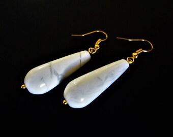 White Wedding Earrings. Bride Earrings. Bridesmaids Earrings. Howlite Earrings. White Drop Earrings. White Gemstone Earrings. Gold Earrings.