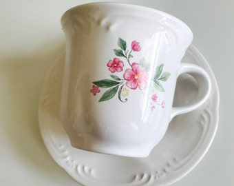 Pfaltzgraff Flat Cup and Saucer Set - Meadow Lane Pattern