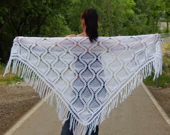 Wedding shawl chrochet lace shawl white summer shawl fringe shawl white chochet scarf fringe wrap hand knit shawl white crochet wrap shawl