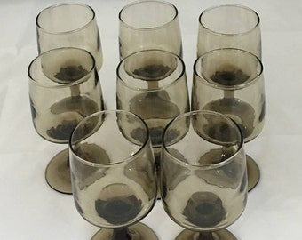 Retro 70's set of 8 wine or water glasses by Libbey.  Free Shipping!