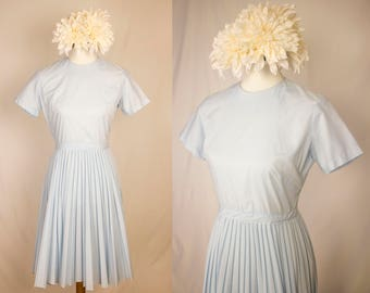 Vintage 1960's Baby Blue Accordion Pleated Short Sleeved Dress - Size S