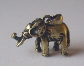 3D (bronze) elephant pendant