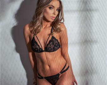 Black lace lingerie set THIRST