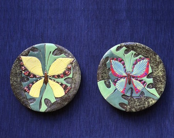ceramic set of 2 wall decor plate green circle butterfly