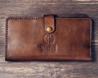 Long wallet with zipper