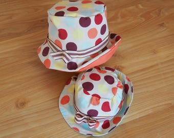 Hat with multicolored dots
